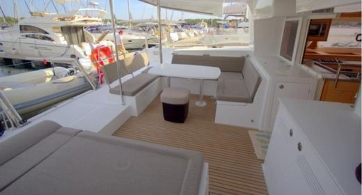 Catamaran Lagoon 450 for hire
