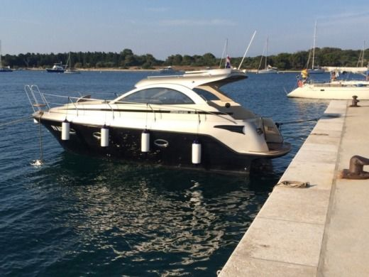 Grginic Yachting Mirakul 30 Hardtop in Novalja for hire