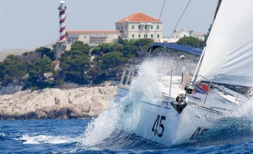 Charter sailboat in Biograd na Moru