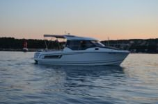 Motorboat Jeanneau Merry Fisher 795