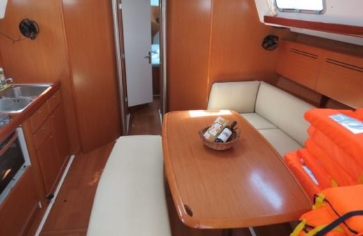 Beneteau Cyclades 43.4 in Kaštela for hire