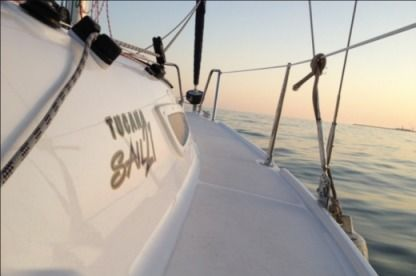 Charter Sailboat Tucana 21 local 23