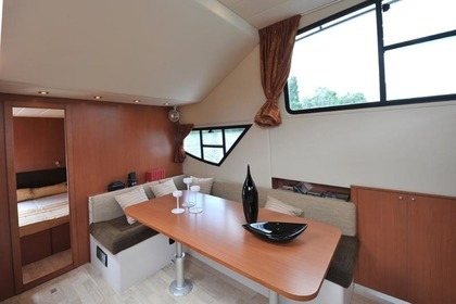 Charter Houseboat Minuetto 6+ Casale sul Sile