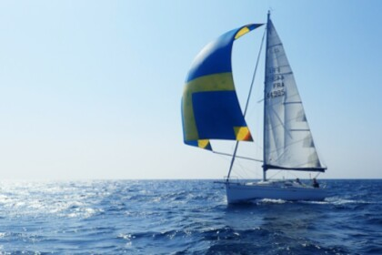 Rental Sailboat Beneteau First 25.7 Bandol