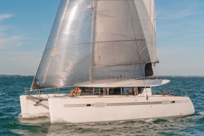 Charter Catamaran Lagoon Lagoon 450 with watermaker & A/C - PLUS Saint Thomas
