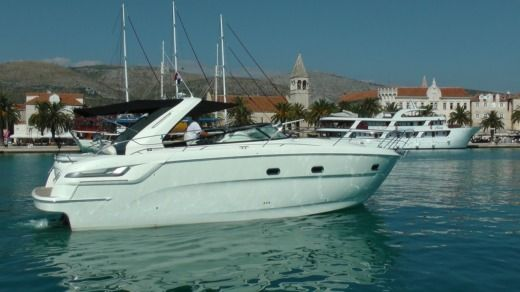 Bavaria Yacht 38 Sport in Trogir for rental