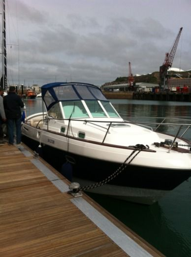 Beneteau Ombrine 801 in Dinard peer-to-peer