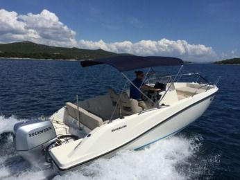Charter Motorboat Quicksilver 675 Open Tisno