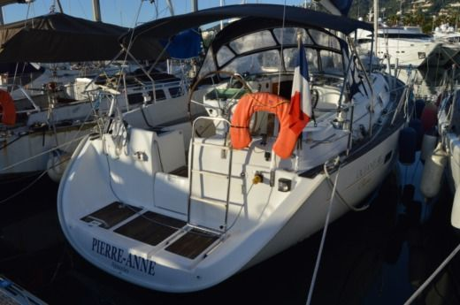 Beneteau Oceanis 411 in Vallauris for hire