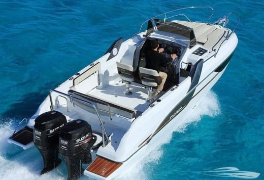 Beneteau Flyer 7.7 Sundeck in Trogir for hire