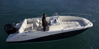 Charter Motorboat Quicksilver 675 Agay