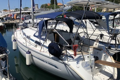 Hire Sailboat BAVARIA 32 Zadar