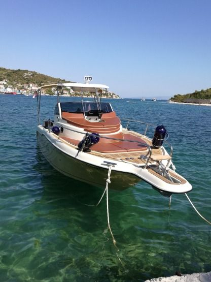 Verhuur Motorboot Inmark Marine Sunsport 845 Trogir