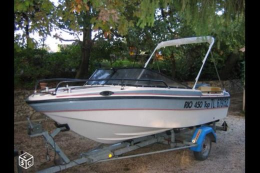 Motorboat RIO 450 for hire