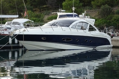 Hire Motorboat Azimut Atlantis 50 Podstrana