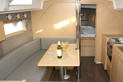 Hire Sailboat BENETEAU OCEANIS 38 Pula