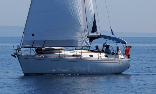 Sailboat Dufour 35 Classic for hire