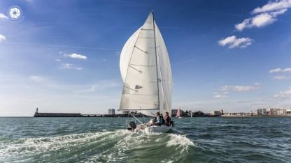 Rental Sailboat J Boats J80 Les Sables-d'Olonne