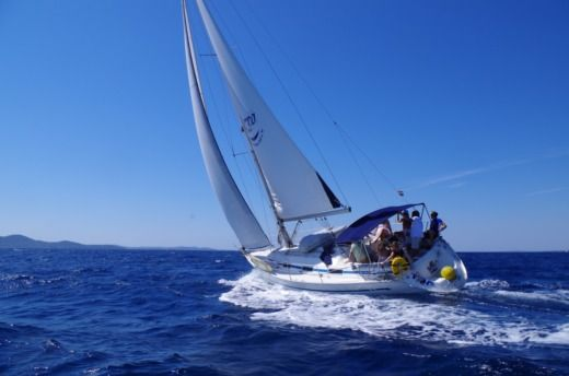 Bavaria 37 in Zadar for hire