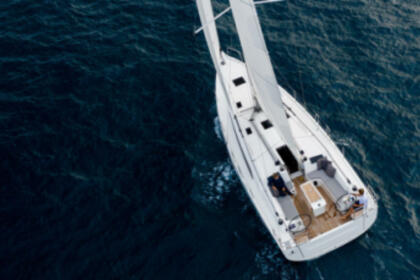 Hire Sailboat Beneteau Oceanis 40.1 Laurium
