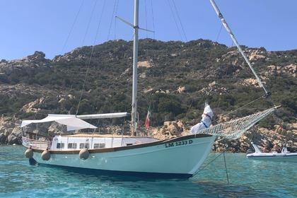 Hire Sailboat Sidemar Caicco (thirandil) La Maddalena