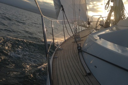 Hire Sailboat Outborn 44 S Geneva