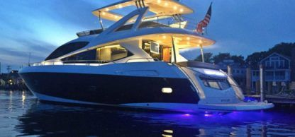 Charter Motorboat Sunseeker 76 Miami