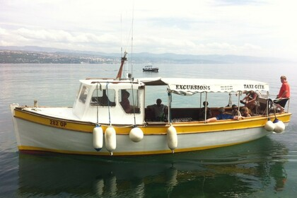 Hire Motorboat Traditional Wooden Boat Contessa 1 Opatija