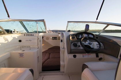 Charter Motorboat SEA RAY 240 SUN SPORT Rab