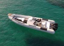 Mostro Top Gun 31 Ft in Porto Cheli for hire