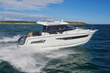 Hire Motorboat Jeanneau Merry Fisher 895 Split