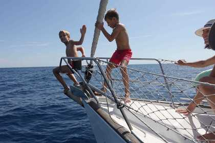 Charter Sailboat Beneteau Oceanis Clipper 423 Costa Brava