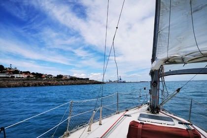 Rental Sailboat JEANNEAU Rush 9 m Sète