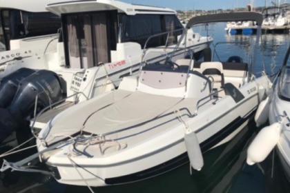 Hire Motorboat Beneteau Flyer 6.6 Sundeck Cannes