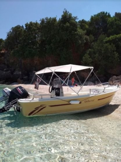 Charter Motorboat Golden Man 485 Kefalonia