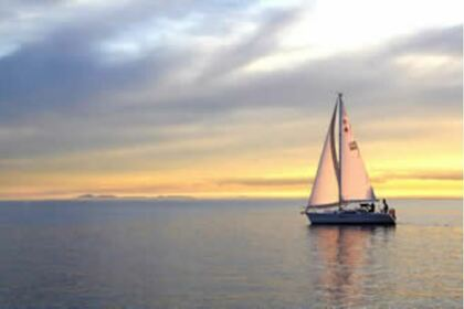 Charter Sailboat Catalina 320 Mk11 Melbourne