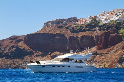 Hire Motorboat Princess 470 Santorini