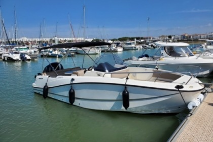Charter Motorboat Quicksilver 755 open Royan