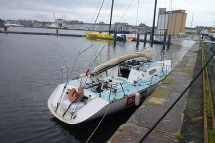 Location Voilier Beneteau First Class 10 Saint-Malo