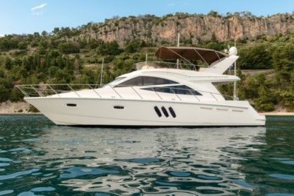Charter Motorboat Sealine T50 Split