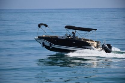 Rental Motorboat Bayliner Element Xr 7 Benalmádena