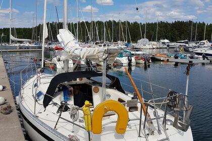 Hire Sailboat Comfort 32 Vaxholm