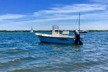 Hire Motorboat May-Craft 19' Center Console Skiff Nantucket