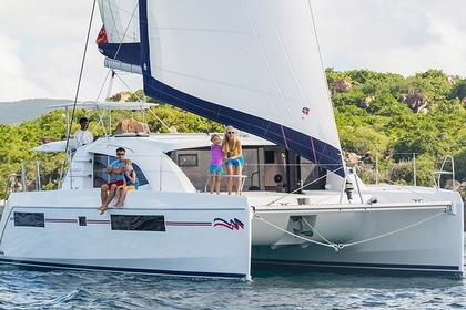 Charter Catamaran Moorings 4000 Castries