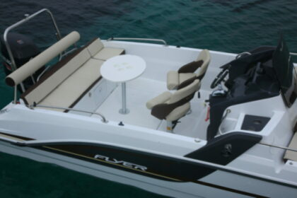 Hire Motorboat Beneteau Flyer Sundeck 6.6 Antibes
