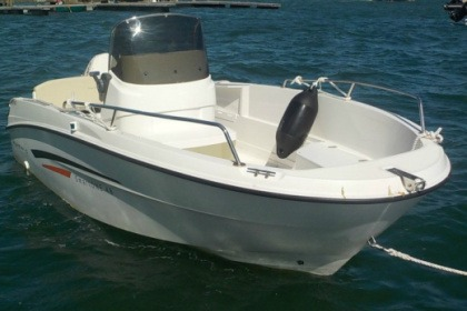 Charter Motorboat Karnic SMART 148 Arradon