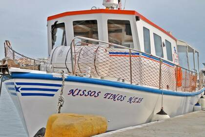 Rental Motorboat Labro Boat Tinos