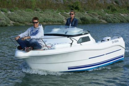 Rental Motorboat Quicksilver 435 Vias