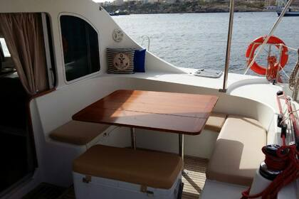 Hire Catamaran Lagoon Lagoon 410 Saint Julian's