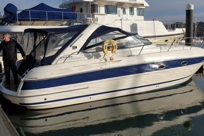 Hire Motorboat Bavaria 35 sports cruiser Southampton